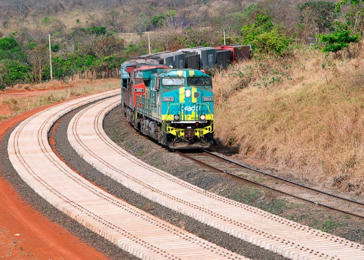tcdb379 Ferrovia Norte Sul, Extensão Sul Encontro ALL com FNS, FNS Km 669 Foto: Tina Coêlho/Terra Imagem