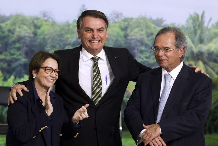 A  ministra da Agricultura,Tereza Cristina,  o presidente Jair Bolsonaro, e o ministro da Economia, Paulo Guedes  durante lançamento do Plano AgroNordeste