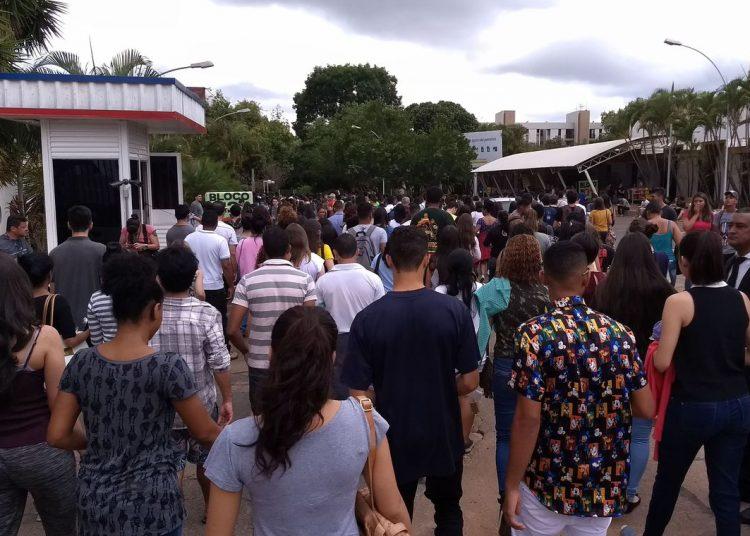 Brasília - Portões para a prova do Enem 2017 são abertos em Brasília