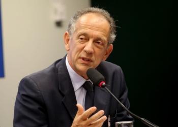 Brasília - O secretário-geral da CBF, Walter Feldman, em audiência na CPI do Futebol sobre os aspectos de contratos de marketing, direitos de mídia, patrocínios e eventos envolvendo a CBF (Wilson Dias/Agência Brasil)