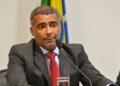 O senador Romário, relator do projeto que cria a Lei Brasileira de Inclusão da Pessoa com Deficiência, durante reunião em que o projeto foi aprovado na Comissão de Direitos Humanos do Senado (Antonio Cruz/Agência Brasil)