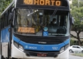Usuarios e motoristas de transporte público,  utilizam máscara de proteção, durante pandemia da Covid-19 no Rio