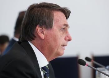 O presidente da República, Jair Bolsonaro, toma  café da manhã com Luiz Eduardo Ramos, Ministro-Chefe da Secretaria de Governo da Presidência da República e Parlamentares.