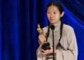 A diretora chinesa Chloé Zhao foi a primeira mulher asiática e a segunda mulher a ganhar o prêmio
