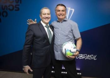 Rogério Caboclo e Jair Bolsonaro posam juntos em evento da CBF (Foto: Lucas Figueiredo/CBF) Foto: Lance!