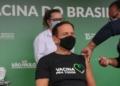 Reprodução: ACidade ON Governador de São Paulo João Doria é vacinado pela enfermeira Mônica Calazans