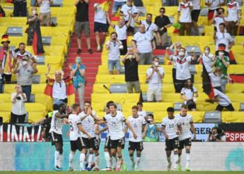 © Alemanha faz grande partida e vence Portugal na Eurocopa (MATTHIAS SCHRADER / POOL / AFP) Alemanha faz grande partida e vence Portugal na Eurocopa (MATTHIAS SCHRADER / POOL / AFP)