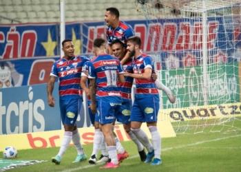 Pela 11ª rodada do Brasileirão, Fortaleza e Corinthians se enfrentaram na Arena Castelão Créditos: Kely Pereira/AGIF