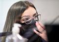Emanuela Medrades na CPI Pandemia   Foto: Pedro França/Agência Senado  Fonte: Agência Senado