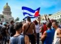 No domingo, 11, milhares de pessoas saíram às ruas de cidades em Cuba. Foto: YAMIL LAGE -AFP