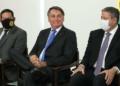 Jair Bolsonaro sentou entre Hamilton Mourão e Arthur Lira durante cerimônia Foto: Marcos Corrêa/PR