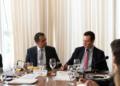 © Divulgação/FPEO presidente do PSD, Gilberto Kassab (dir.), ao lado do presidente da FPE (Frente Parlamentar do Empreendedorismo), Marco Bertaiolli (PSD-SP), em almoço do grupo em Brasília