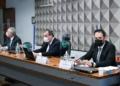 O relator, Renan Calheiros, o presidente da CPI, Omar Aziz, e Emanuel Catori Edilson Rodrigues/Agência Senado  Fonte: Agência Senado