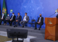 Brasília, DF- Ministro da Economia, Paulo Guedes, participa da cerimônia de Lançamento das Autorizações Ferroviárias - Setembro Ferroviário, no salão nobre do Palácio do Planalto  FOTO: EDU ANDRADE/Ascom/ME