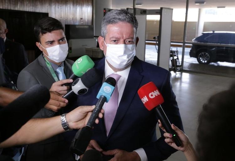 Lira: Plenário vai questionar o peso dos preços da Petrobras no bolso dos brasileiros  Foto: Michel Jesus/Câmara dos Deputado   Fonte: Agência Câmara de Notícias