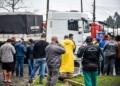 Caminhoneiros continuam concentrados no entroncamento da BR-116 e BR-282, em Lages (SC) Foto: Fom Conradi/Ishoot / Estadão Conteúdo