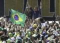 Presidente Jair Bolsonaro, acompanhado dos ministros da Defesa, Braga Neto e do vice-presidente, Hamilton Mourão, participa de manifestação na Esplanada dos Ministérios