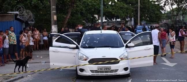 O carro de Evaldo baleado após a ação militar em Guadalupe, na Zona Norte do Rio Foto: DW / Deutsche Welle