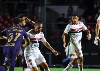 No Morumbi, São Paulo e Corinthians se enfrentaram pela 27ª rodada do Brasileirão Assaí  Créditos: Marcello Zambrana/AGIF